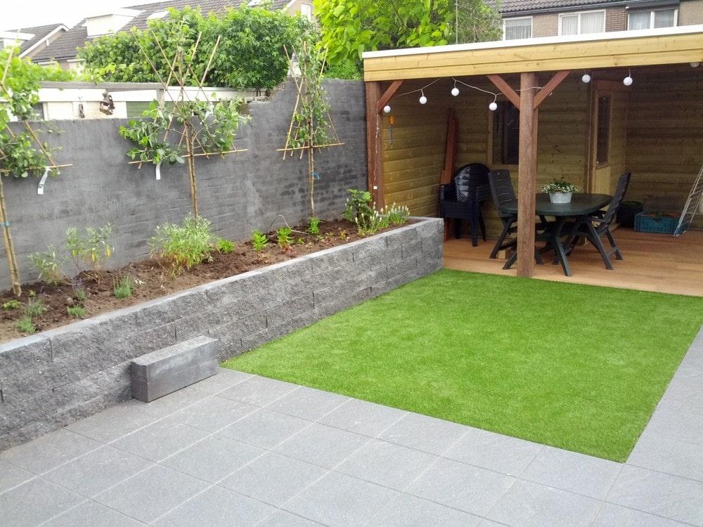 f9c3b52c0f1a64 Nu je de keuze hebt gemaakt dat je gras in de tuin wilt, wat dan? Wordt het  echt- of toch kunstgras?